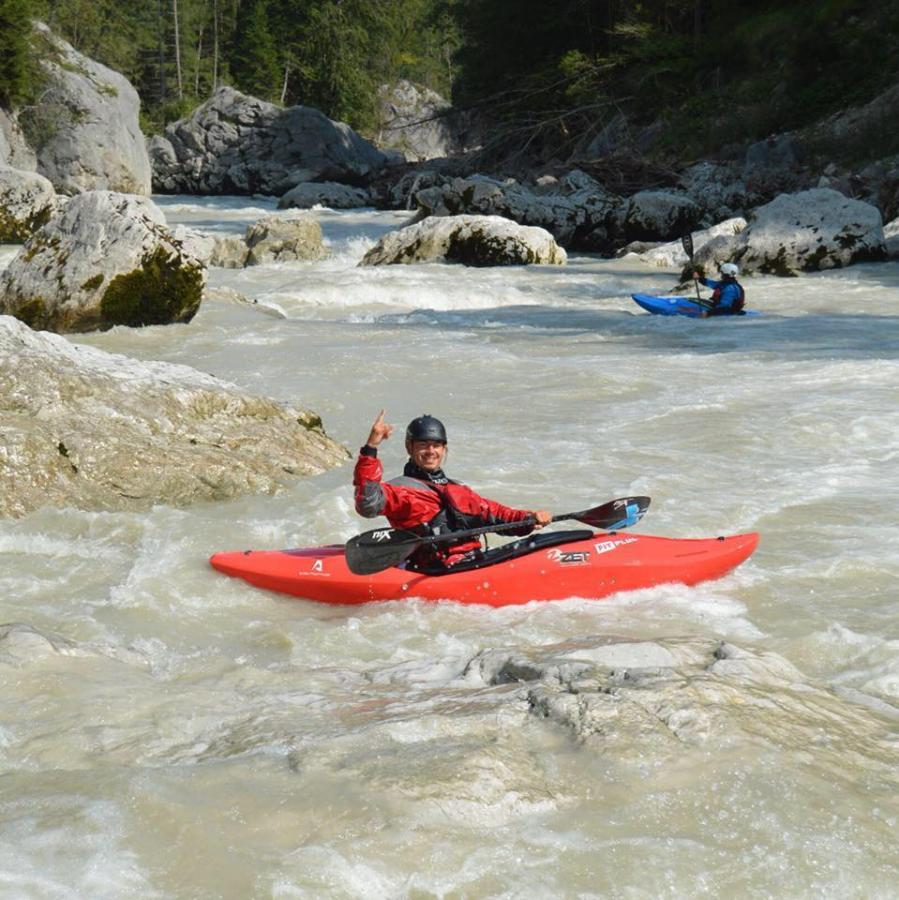 Divoka Voda_kayak school
